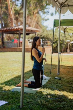 Monique-Minahan-Outdoor-Yoga.jpg